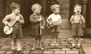 niños-musicaaaa-300x180.jpg